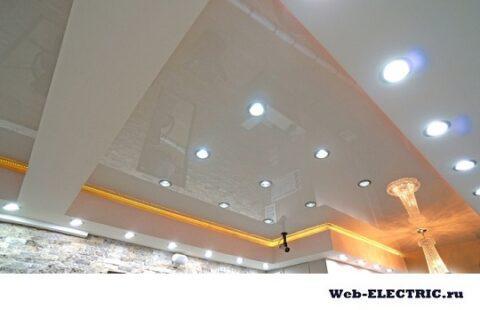 Освещение в зале квартиры фото