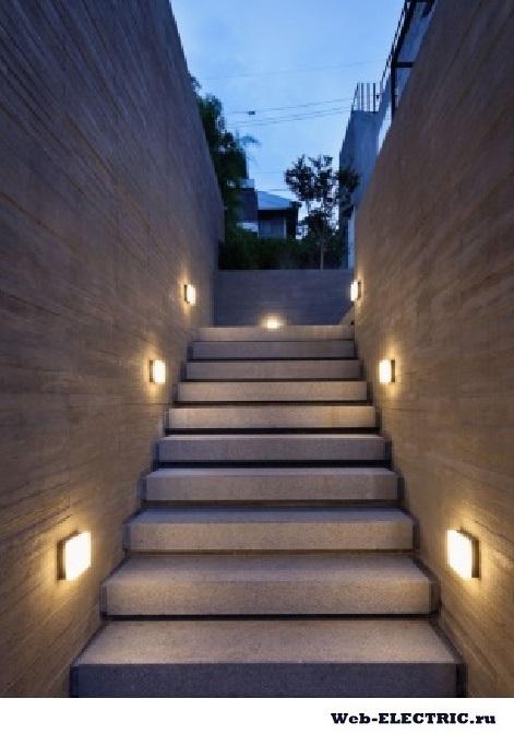 Варианты освещение лестницы в частном доме фото