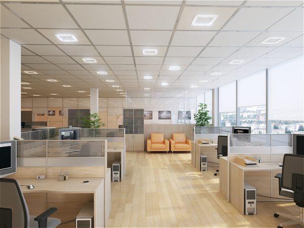 офис с естественной освещенностью